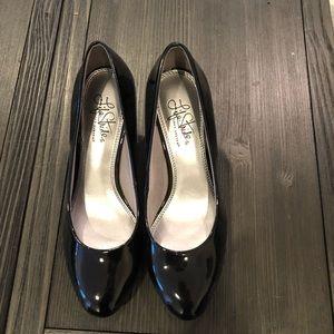 "Life stride black 2"" heel pumps"